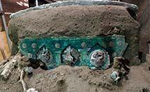 Um carro alegórico cerimonial da época dos romanos foi descoberto perto do parque arqueológico de Pompeia (Itália). Foto distribuída em 27 de fevereiro de 2021 pelo Parque Nacional de Pompeia (Handout/AFP)
