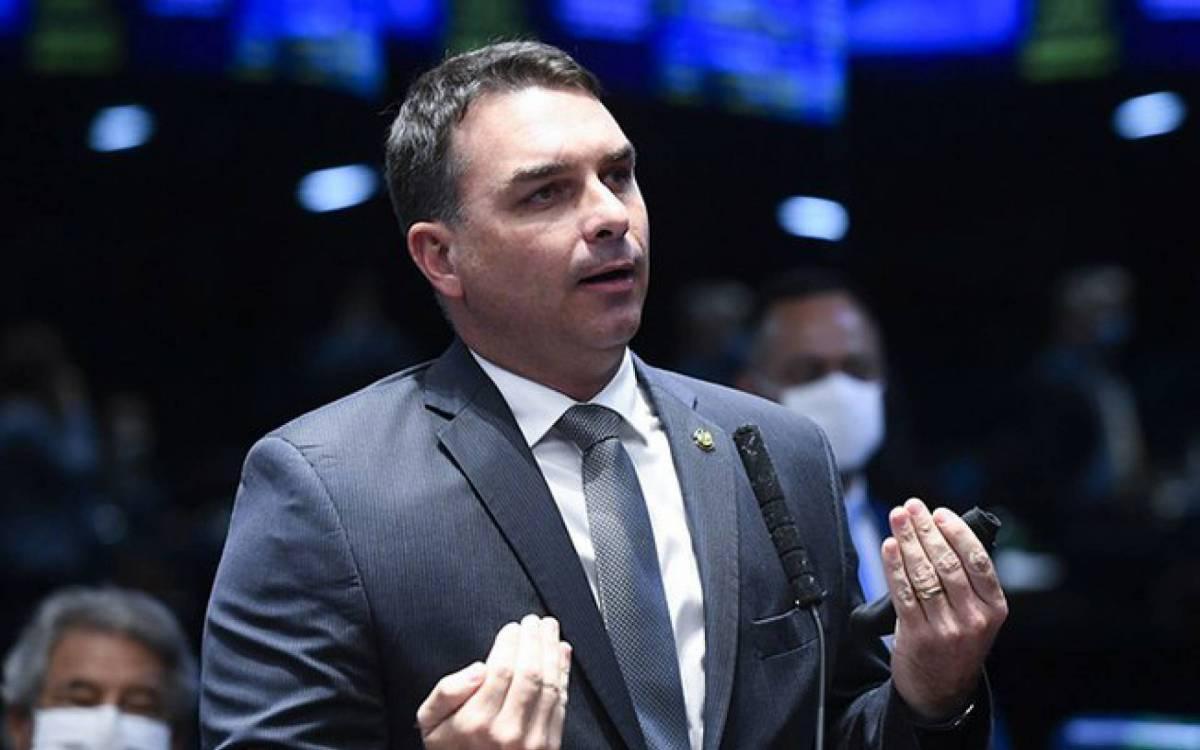O Zero Um é acusado pelo Ministério Público do Rio de crimes de peculato, lavagem de dinheiro e de liderar uma organização criminosa