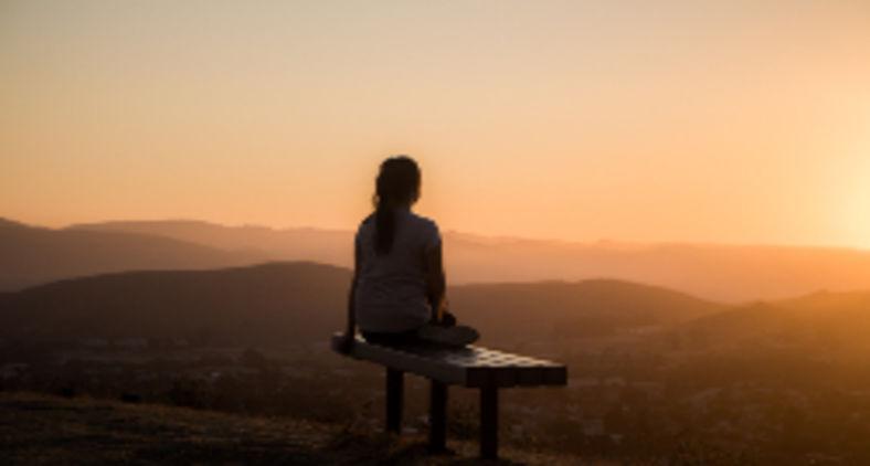 Quando você sentir que não pode sequer suportar mais um minuto, não desista! Porque esse será o momento e lugar que o curso irá desviar! (Sage Friedman / Unsplash)