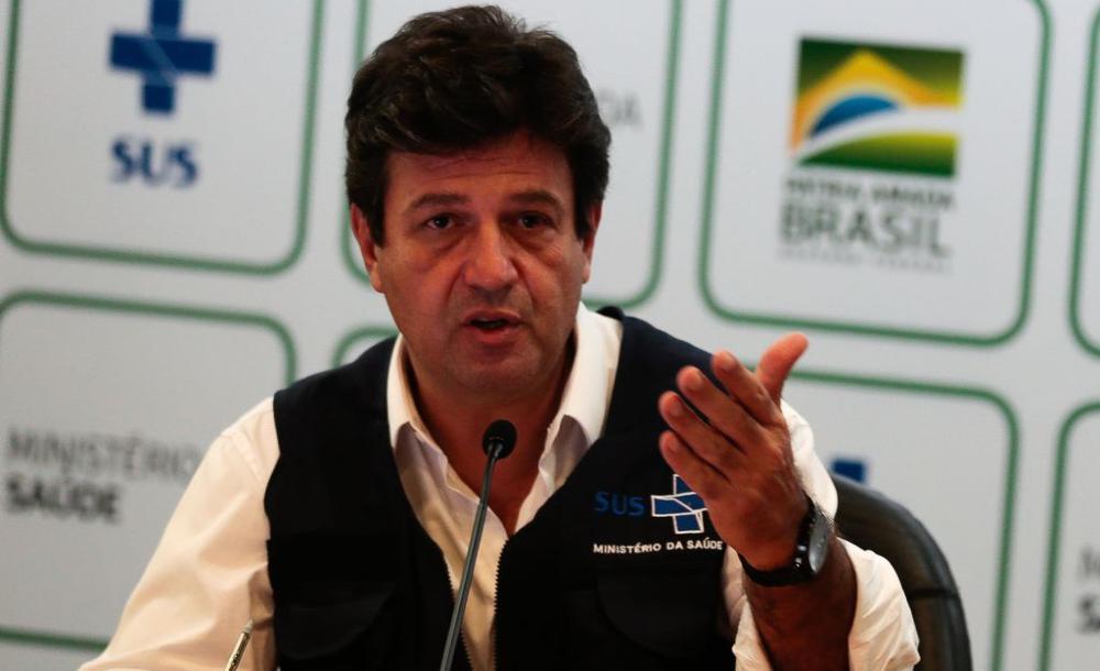 O ex-ministro da Saúde Luiz Henrique Mandetta em abril de 2020 durante entrevista com a imprensa