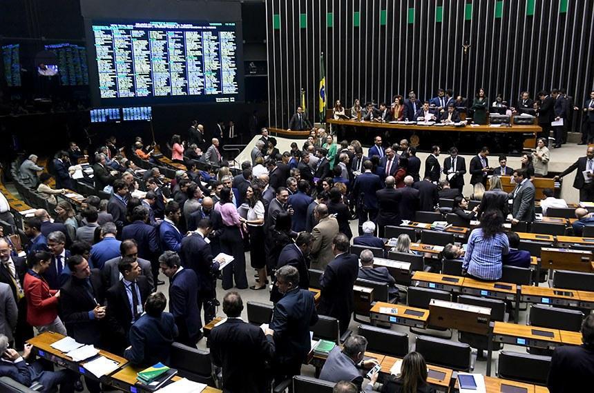 Parlamentares alegam que governadores e prefeitos tiveram queda nos repasses neste início de ano