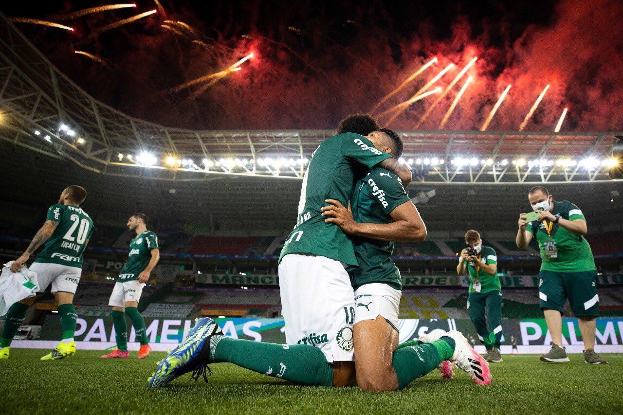 Comemoração dos jogadores do Palmeiras após vitória na Copa do Brasil 2020
