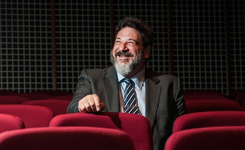 Filósofo e educador Mário Sergio Cortella fotografado no Teatro Marista, em Londrina, Paraná (2014)