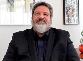 Mário Sergio Cortella durante sua palestra (Dom Helder / EMGE)