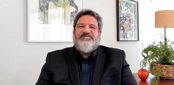 Mário Sergio Cortella durante sua palestra