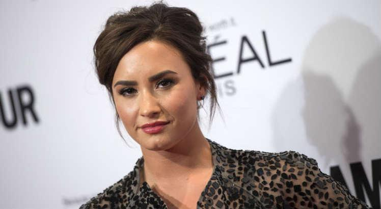 'Demi Lovato: Dancing with the Devil' é uma série original de Youtube que trata na overdose por fentanil sofrida pela cantora em 2018