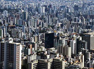 Os professores também discutiram a controvérsia entre a fala do presidente Jair Bolsonaro e a decisão das prefeituras. (Marcello Casal Jr./Agência Brasil)
