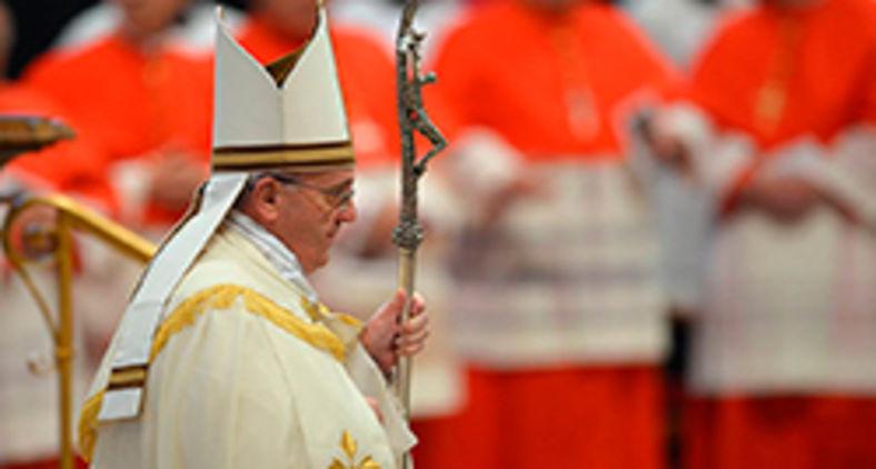 Em decisão histórica, Francisco reduz em 10%, e por tempo indeterminado, o salário dos cardeais que atuam em Roma (AFP/ Vincenzo Pinto)
