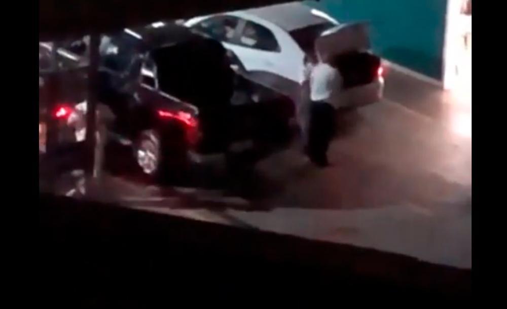Vídeos gravados por moradores mostram movimentação atípica numa garagem de empresa de transporte, em BH