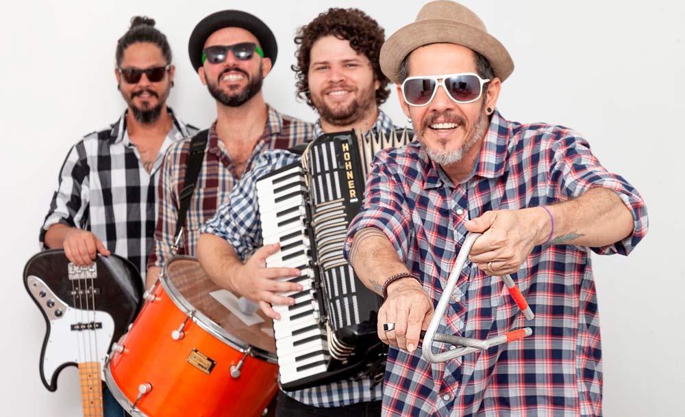 A banda Cascabulho, segunda geração do mangue beat, de Pernambuco, está na lista