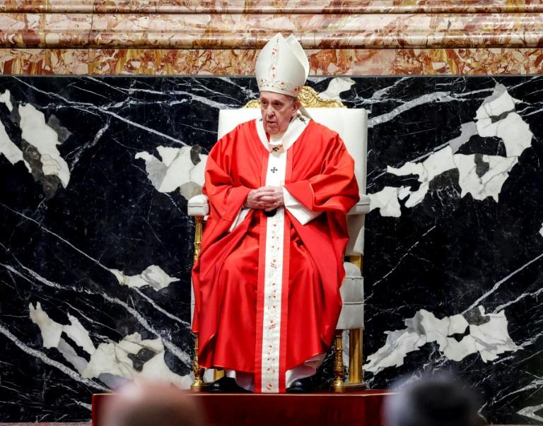 O papa Francisco celebrou a missa do Domingo de Ramos na basílica de São Pedro, Vaticano