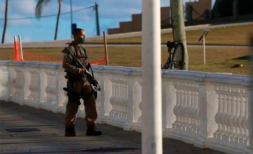 SSP afirmou que o homem atirou contra as equipes e que alternava entre 'momentos de lucidez e acessos de raiva'