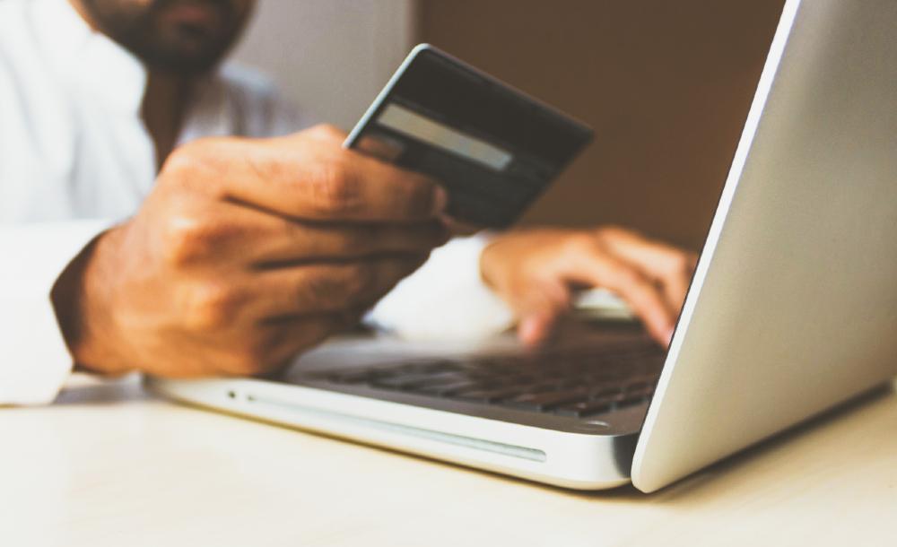 De acordo com o levantamento, 83% dos consumidores que compraram on-line pela primeira vez no ano passado repetiriam a operação