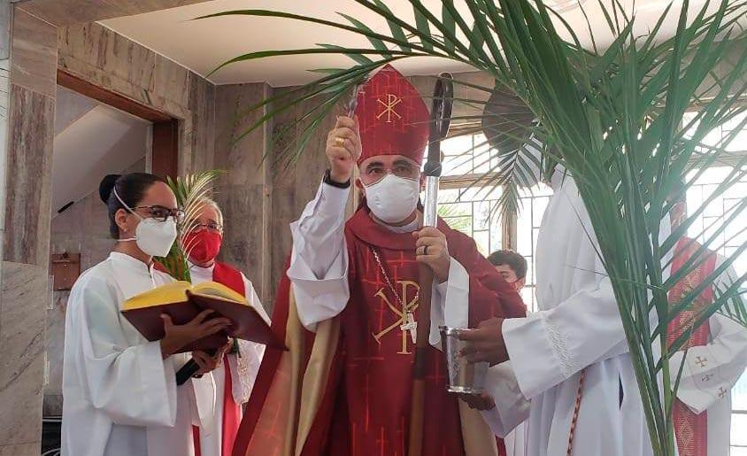 Dom Nivaldo dos Santos utilizou a liturgia do domingo de Ramos para criticar quem minimiza a pandemia
