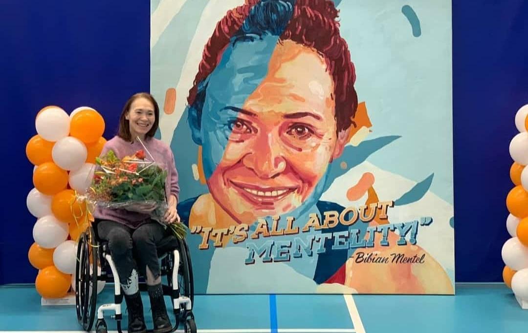A atleta holandesa de snowboorden, Bibian Mentel,  está para morrer, mas não entrega os pontos. Mesmo doente, ela ainda sorri e disse que vai viver cada segundo de sua vida