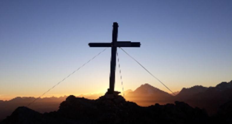 Jesus foi morto não por dizer que era o Filho de Deus, mas principalmente por provocar mudanças na realidade do seu tempo (Guido Da sacco / Unsplash)