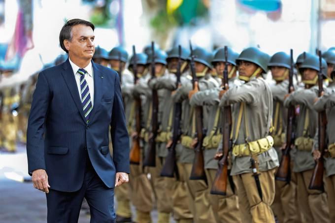 Bolsonaro e os militares: aliança pela governabilidade