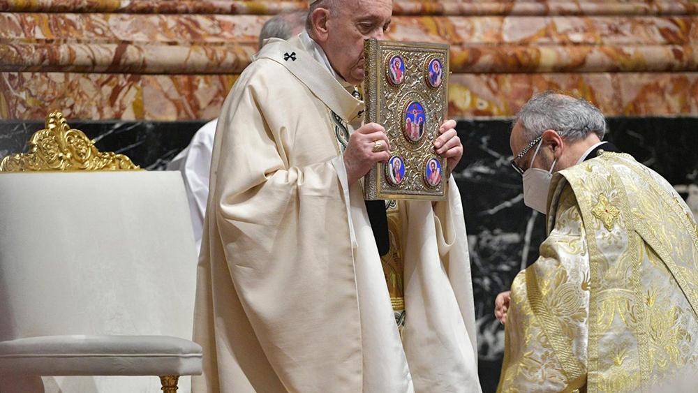 'É escandaloso que em plena pandemia não cessem as guerras', disse o papa