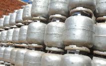 O gás natural é utilizado tanto na indústria quanto em residências, comércios e até mesmo automóveis (Macello Casal Jr./ABr)