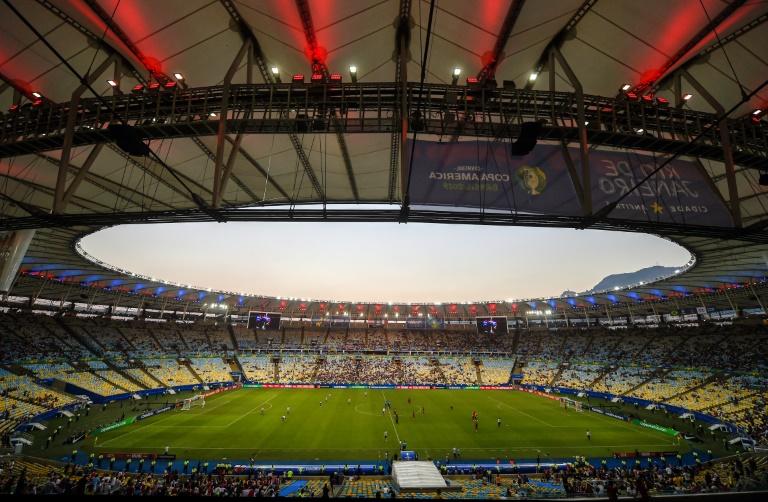 O nome oficial do estádio atualmente é Jornalista Mário Filho, em homenagem ao lendário cronista esportivo, irmão do dramaturgo e escritor Nelson Rodrigues
