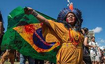 Sônia Bone Guajajara, Coordenadora Execuva da Articulação dos Povos Indígenas do Brasil (APIB), durante o Acampamento Terra Livre 2019 (APIB)