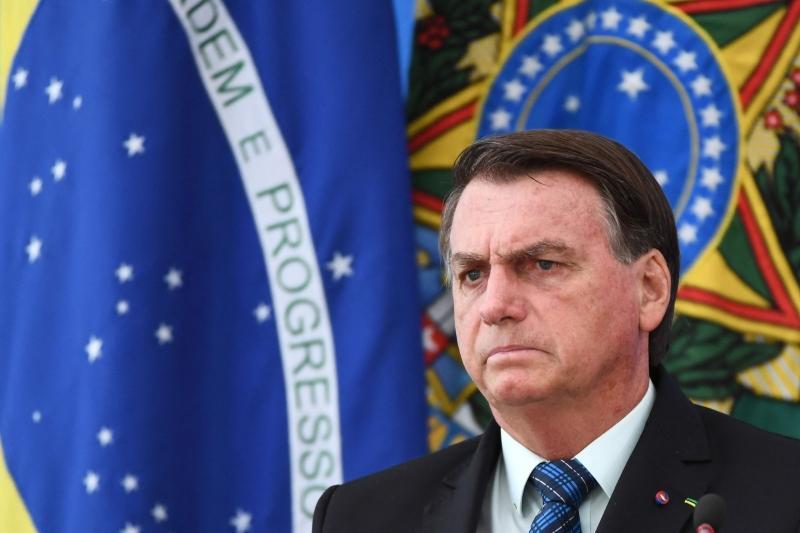 Mesmo com a CPI pairando, Bolsonaro também continua a demonstrar que não pretende adotar uma mudança profunda de rumo na gestão da pandemia