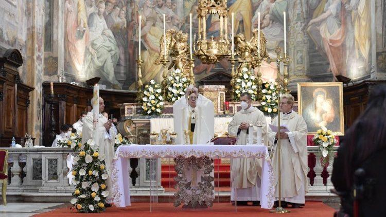 O papa Francisco durante a missa na Igreja de Santo Espírito, em Sassia, neste Domingo da Misericórdia