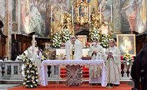 O papa Francisco durante a missa na Igreja de Santo Espírito, em Sassia, neste Domingo da Misericórdia (Vatican Media)