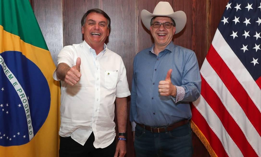 Presidente Jair Bolsonaro e embaixador Todd Chapman durante comemorações do dia 4 de julho, data da independência americana, em Brasília, em 2020
