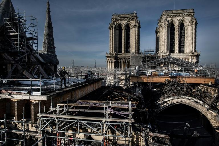 As obras de reconstrução de Notre-Dame poderão começar em 2022, mas o enigma da origem do incidente permanece sem solução