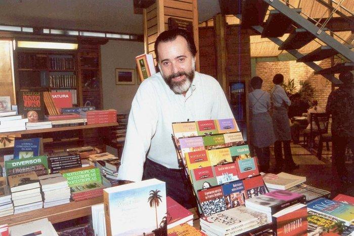 Tony Ramos interpretou Miguel em Laços de Família, o dono de uma livraria aficionado em literatura