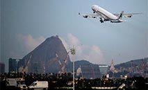 Oposição francesa quer suspensão dos voos com o Brasil (MAURO PIMENTEL/AFP)