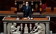 O primeiro-ministro francês, Jean Castex, fala na Assembleia Nacional da França, em Paris, em 13 de abril de 2021 (STEPHANE DE SAKUTIN/AFP)
