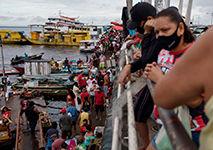 Manaus flexibiliza todas as atividades e população vai às ruas sem medo da terceira onda em Abril de 2021 (Bruno Kelly/Amazonia Real)