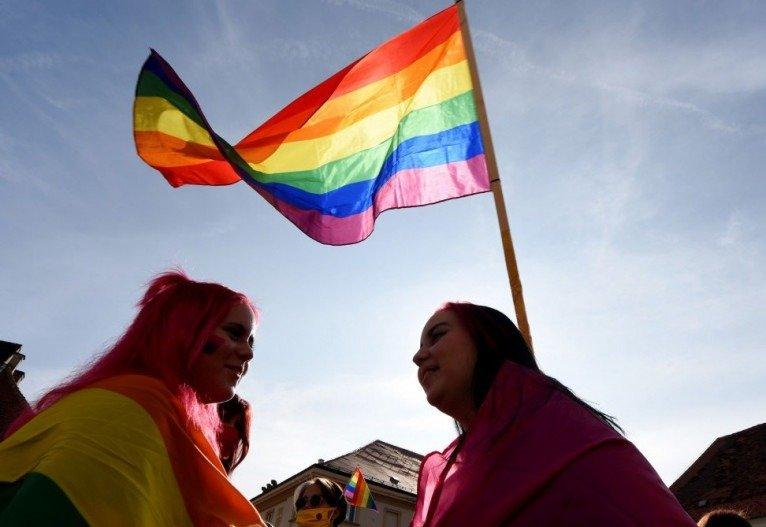 Ativistas LGBTs foram presos, sob uma abrangente lei de