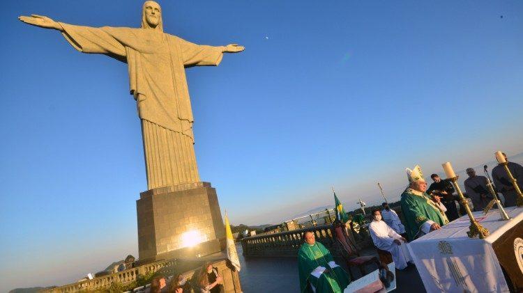Igreja Católica no Brasil tem dado vivas demonstrações de desejar cooperar com o poder público nas questões envolvendo os cuidados sanitários