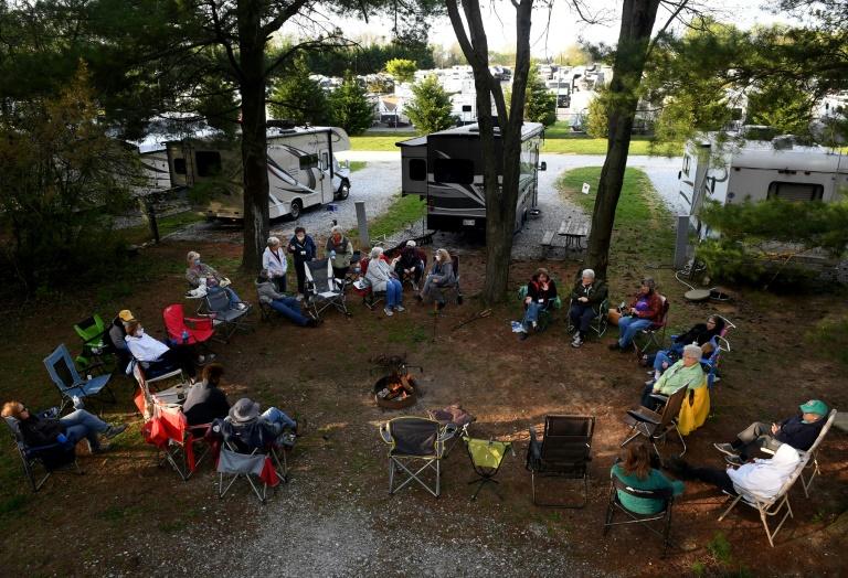 Reunião de mulheres nômades em 23 de abril no acampamento Ramblin Pines, em Maryland