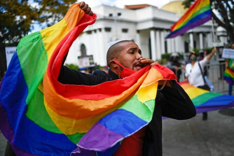 Manifestação LGBTQI+ em frente ao Parlamento da Venezuela em 11 de fevereiro