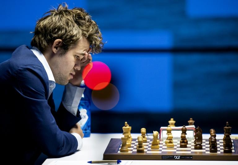 O norueguês Magnus Carlsen, campeão mundial de xadrez