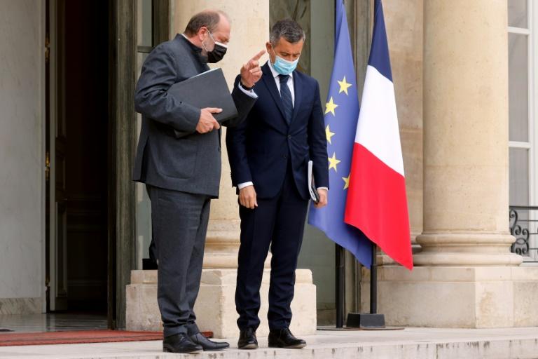 O ministro francês do Interior Gerald Darmanin e o ministro francês da Justiça, Eric Dupond-Moretti