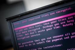 Ataques de ransomware nos EUA atingiram mais de 2 mil vítimas no governo, educação e saúde em 2020 (Rob Engelaar/AFP)