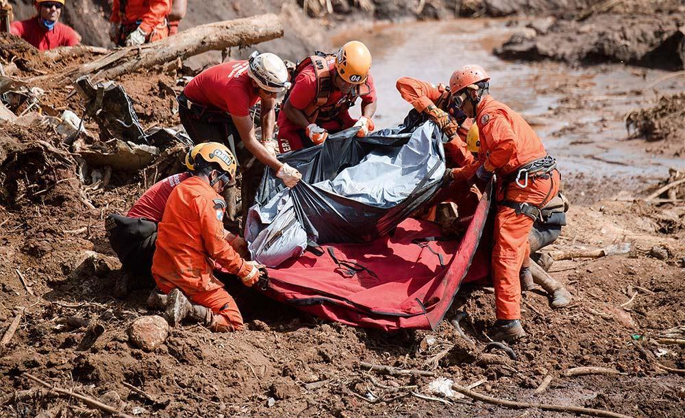 Rompimento da barragem matou 273 pessoas