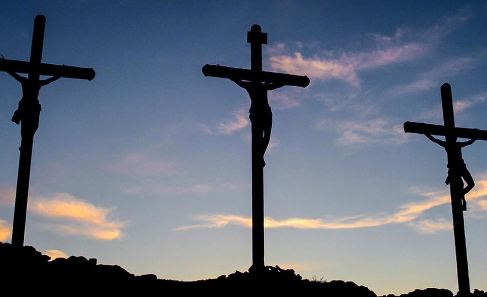 Jesus foi condenado como herege e subversivo, por elevar a voz contra os abusos do templo e do palácio, por colocar-se do lado dos perdedores, por ser amigo dos últimos, de todos os caídos