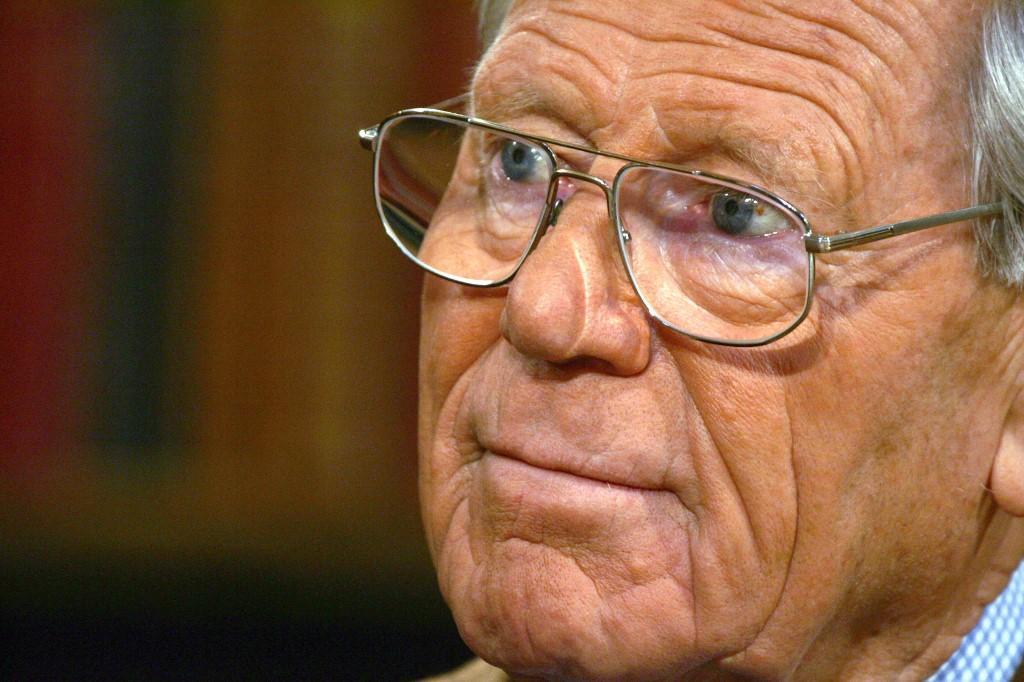 Kung, nascido em 19 de março de 1928 em Sursee, perto de Lucerna, é desde 1995 presidente da Fundação para a Ética Global (Stiftung Weltethos)