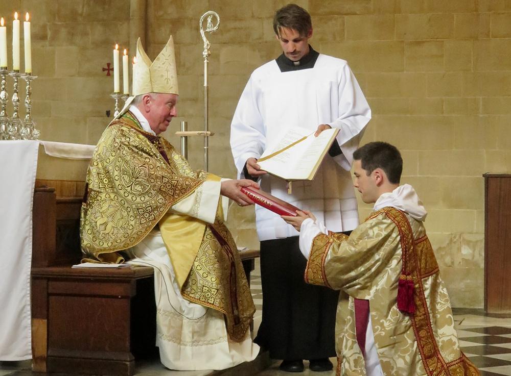 Em linguagem católica, podemos dizer que a voz é sacramental