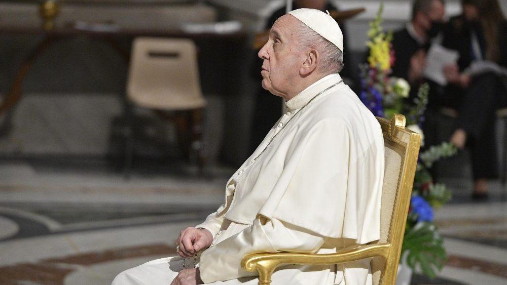 A cada dia do mês de maio um santuário do mundo irá conduzir católicos na oração mariana