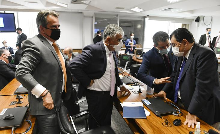 Senadores Ciro Nogueira, Eduardo Girão, Marcos Rogério e Eduardo Braga, todos integrantes da CPI da Covid