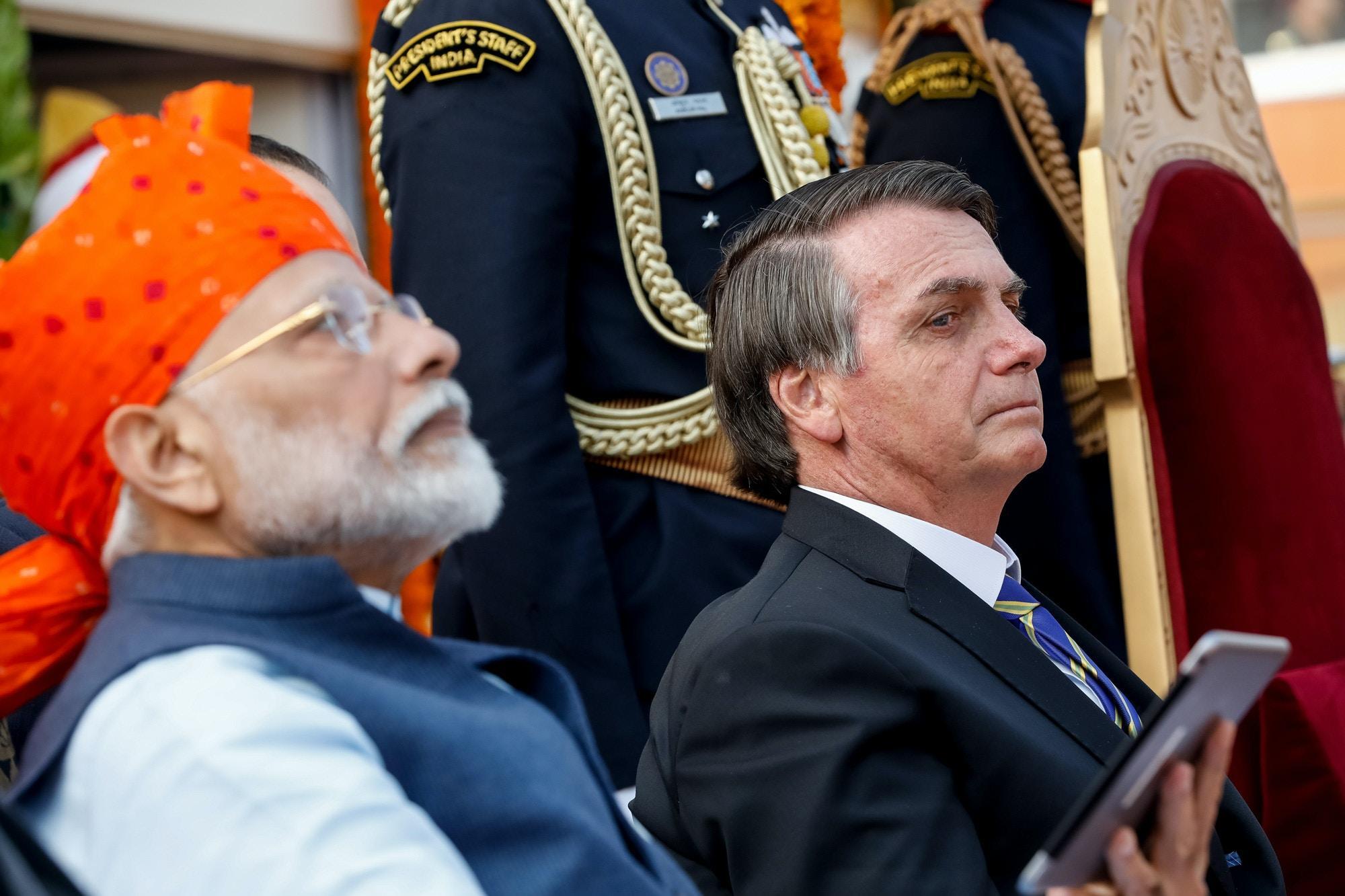 O primeiro ministro da Índia, Narendra Modi, e Jair Bolsonaro durante cerimônia do Dia da República da Índia