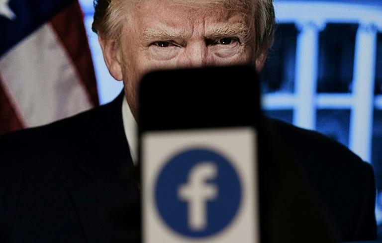 Um painel independente de supervisão do Facebook, que toma decisões vinculativas que não podem ser contestadas, decidiu sobre o veto de Donald Trump