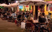 Bares e restaurantes poderão funcionar de segunda a sábado de 11h às 19h, com venda de bebidas alcoólicas. Aos domingos, os estabelecimentos continuam fechados (Arquivo PBH)